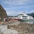 ウトロ港の観光汽船